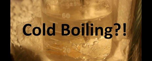 讓水一直沸騰,直到結冰