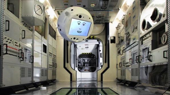 這個表情魔性的機器人馬上就要登陸國際空間站了