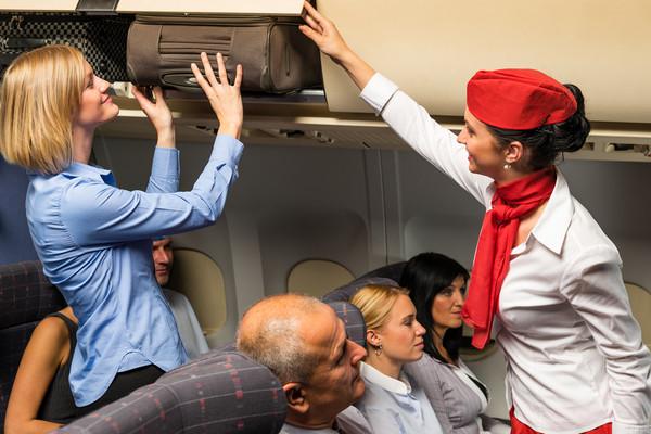 航班上恐怖體味的男人導致飛機迫降