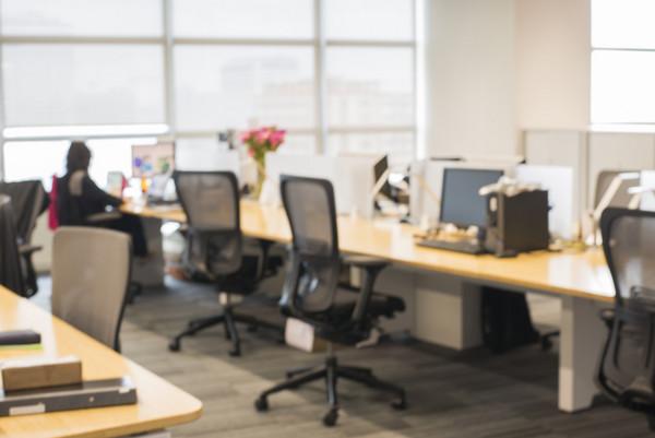 開放式的辦公室實際會使員工相互退縮