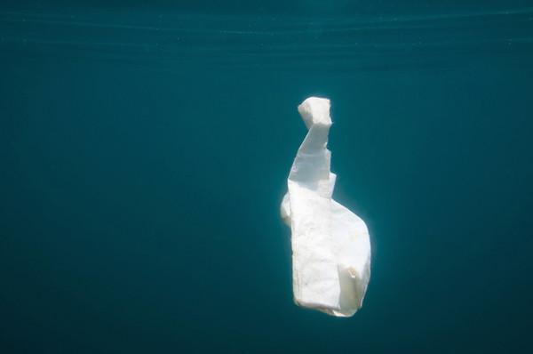 塑料袋正在釋放溫室氣體