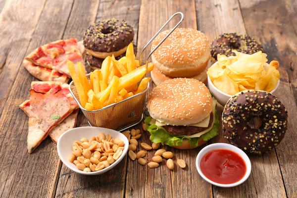伦敦打算全城封杀垃圾食品广告