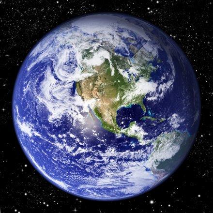为证明地球是平的:自制火箭的美国老人准备升空