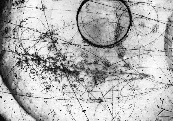 已确认:中微子拥有变形的超能力