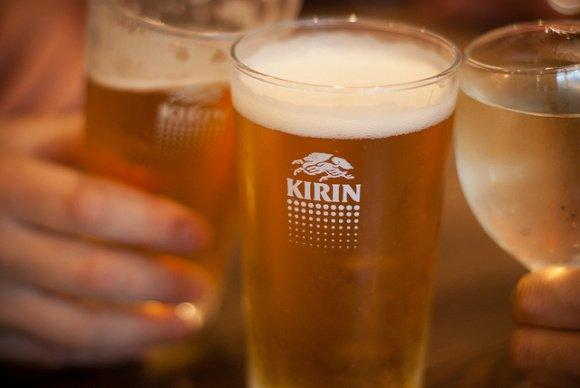 如何教女儿正确处理喝酒?看这位日本父亲怎么做