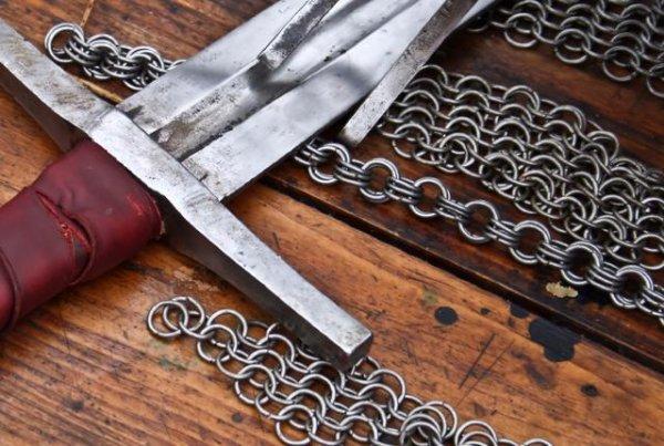 十把吓破狗胆的大宝剑
